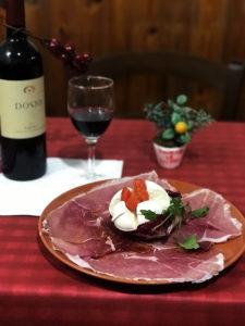 Taverna Le Coppelle Roma - Antipasto bufala e prosciutto crudo
